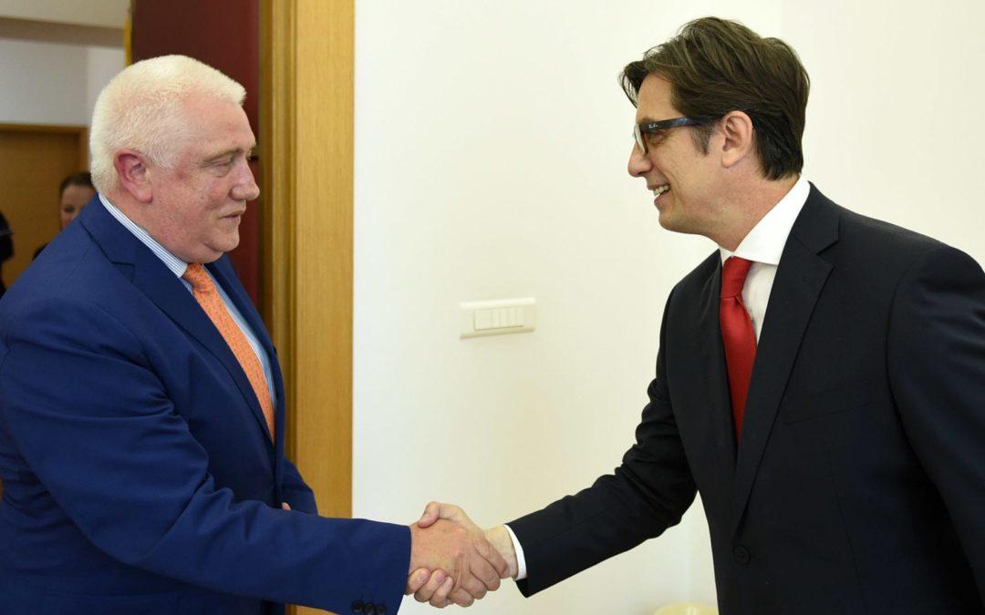 Претседателот Пендаровски го прими албанскиот амбасадор Фатос Река