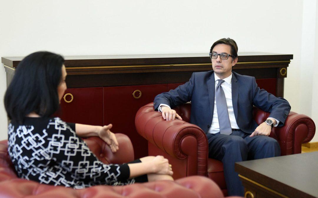 Претседателот Пендаровски ја прими директорката на Академијата за судии и јавни обвинители Наташа Габер-Дамјановска