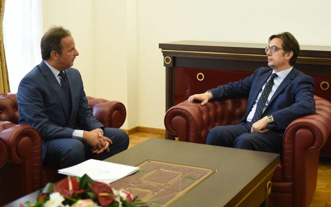 Претседателот Пендаровски го прими италијанскиот амбасадор Карло Ромео