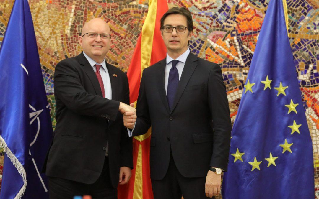 Претседателот Пендаровски го прими вршителот на должност помошник државен секретар на САД за Европа и Евроазија, Филип Т. Рикер