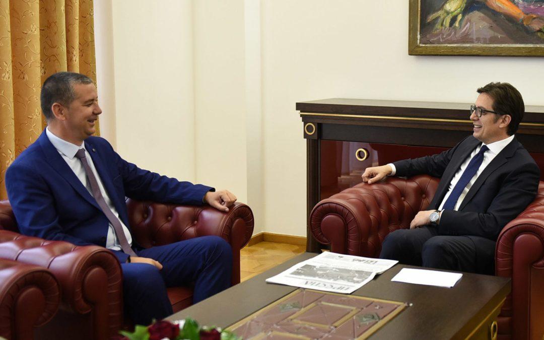 Претседателот Пендаровски се сретна со Васил Стерјовски, пратеник со македонско потекло во Собранието на Република Албанија