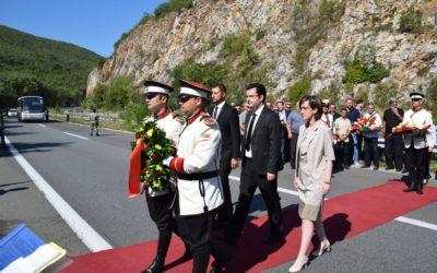 Делегација од Кабинетот на Претседателот оддаде почит на 10 армиски резервисти загинати кај Карпалак