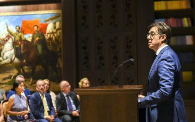 """Претседателот Пендаровски се обрати на отворањето на изложбата """"Борба и страдање – полските граѓани за време на Втората светска војна"""""""