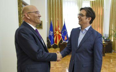 Средба на претседателот Пендаровски со Зоран Јанковиќ, шеф на Канцеларијата за врски на НАТО во Скопје