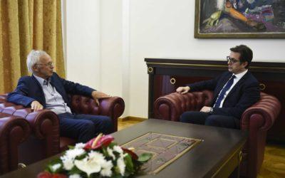 Средба на претседателот Пендаровски со Рајнхард Прибе, поранешен директор во Европската Комисија и експерт за владеење на правото