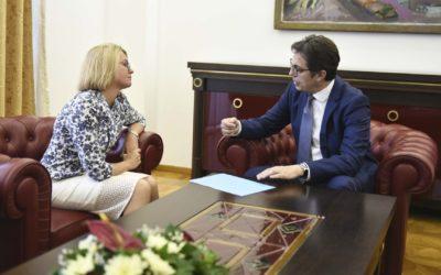 Средба на претседателот Пендаровски со украинската амбасадорка Наталија Задорожњук