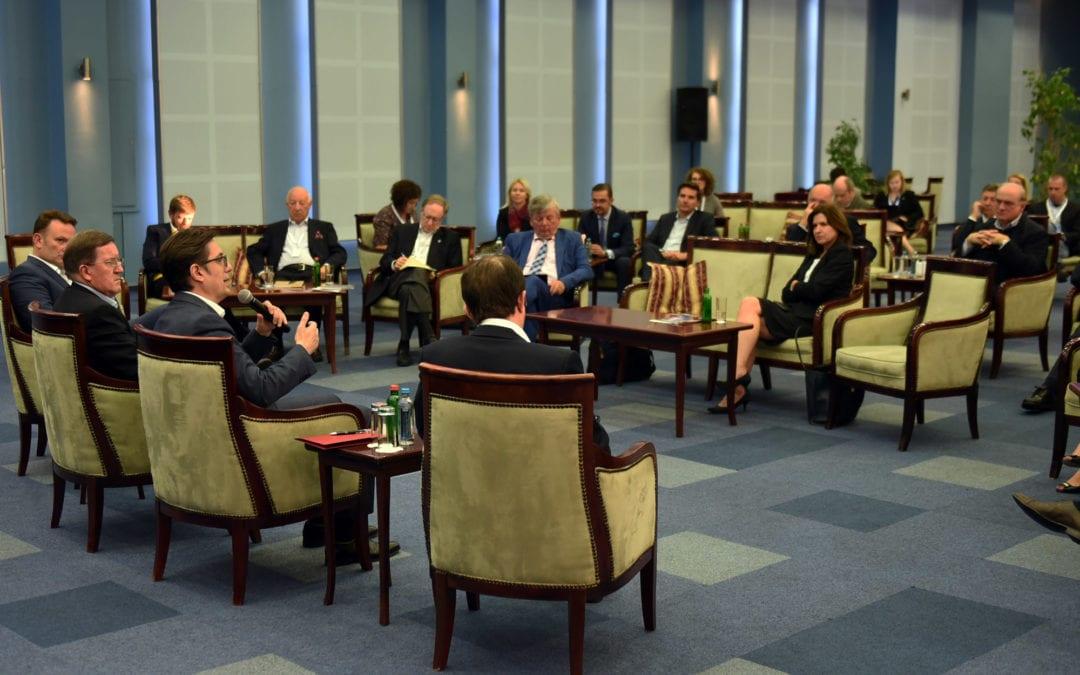 Средба на претседателот Пендаровски со претставници на Охридската група и високи претставници на НАТО