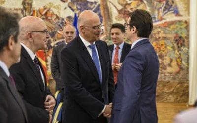 Средба на претседателот Пендаровски со министерот за надворешни работи на Република Грција, Никос Дендиас