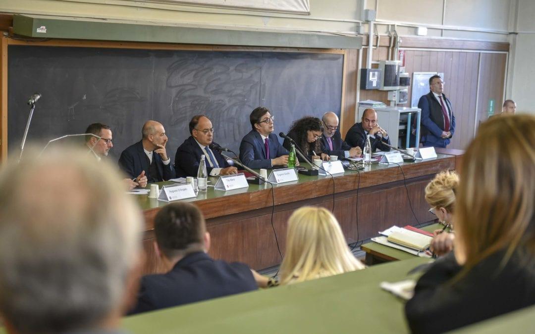 """Предавање на претседателот Пендаровски на Универзитетот """"Ла Сапиенца"""": Евроатлантските аспирации не предизвикуваат поделби, туку се фактор за кохезија, за единство на нашето општество"""