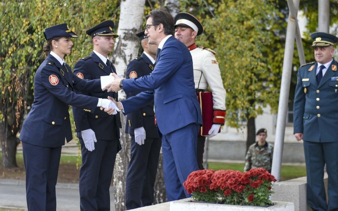 Обраќање на претседателот Пендаровски на заклетвата и на промоцијата на питомци на Воената академија