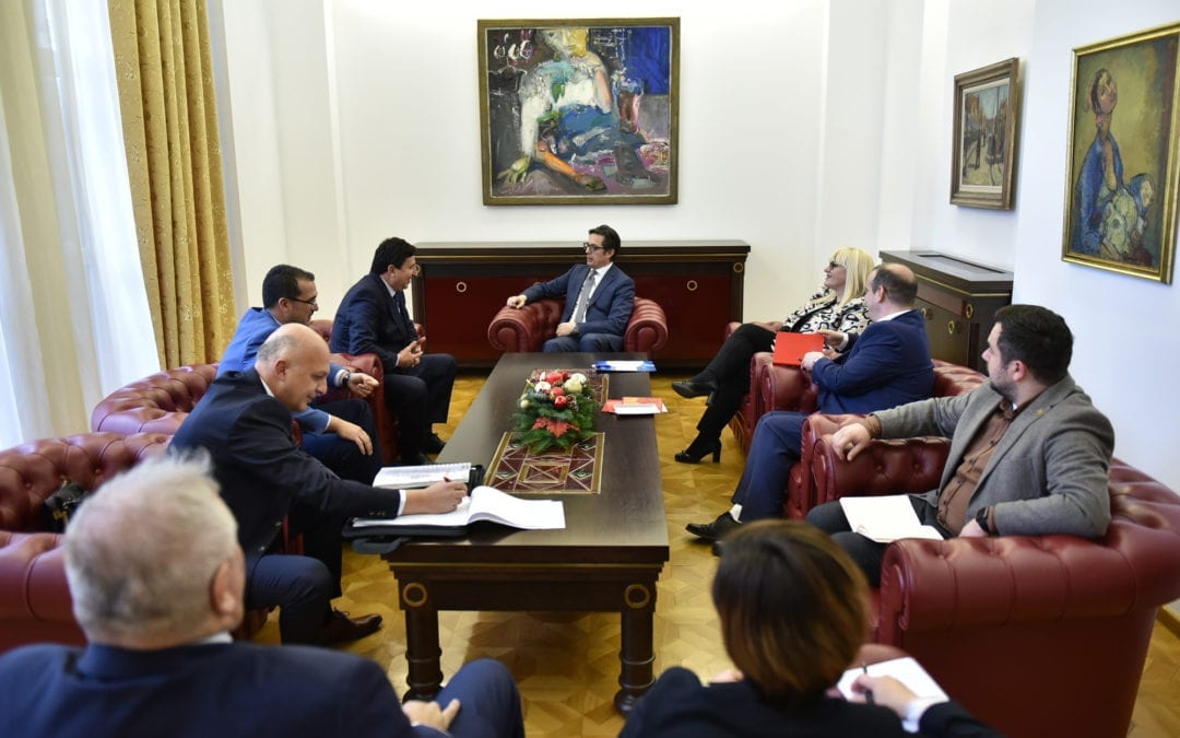President Pendarovski meets with representatives of the Chamber of Enforcement Agents