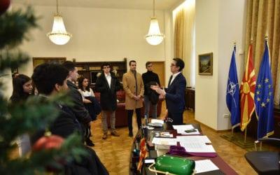 Посета на средношколци од организацијата Американски совети за меѓународно образование во рамки на Отворен Кабинет