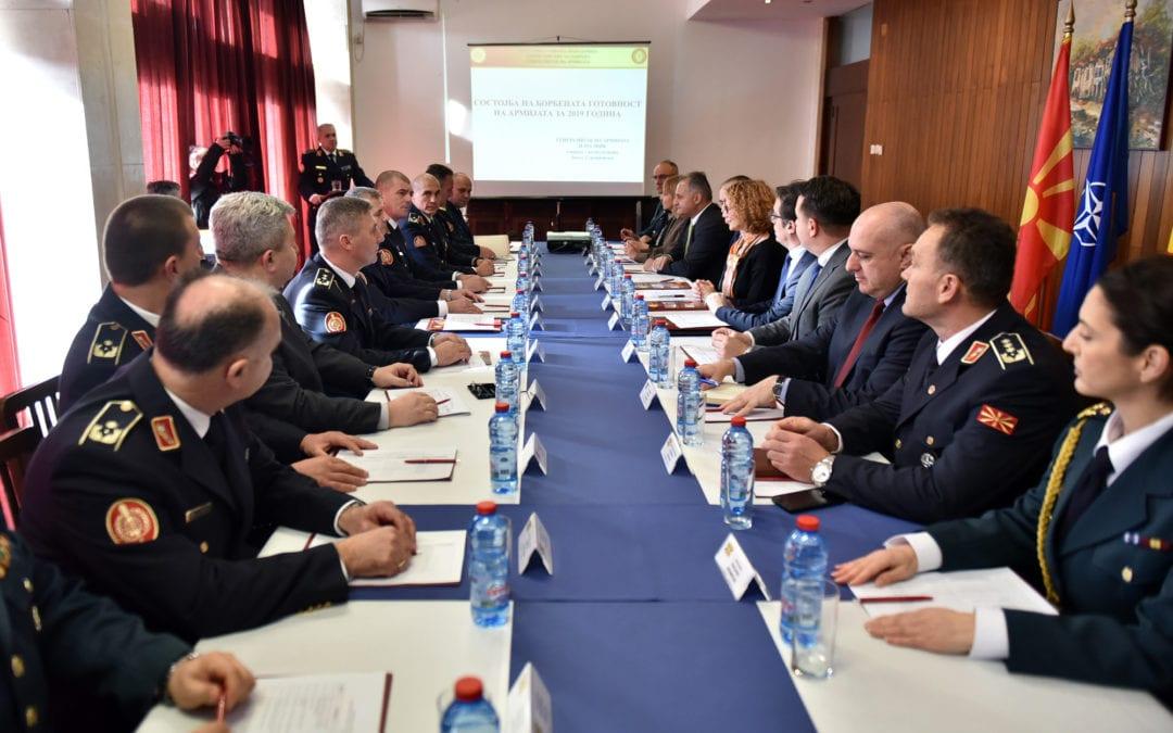 Претседателот Пендаровски: Армијата е во одлична кондиција