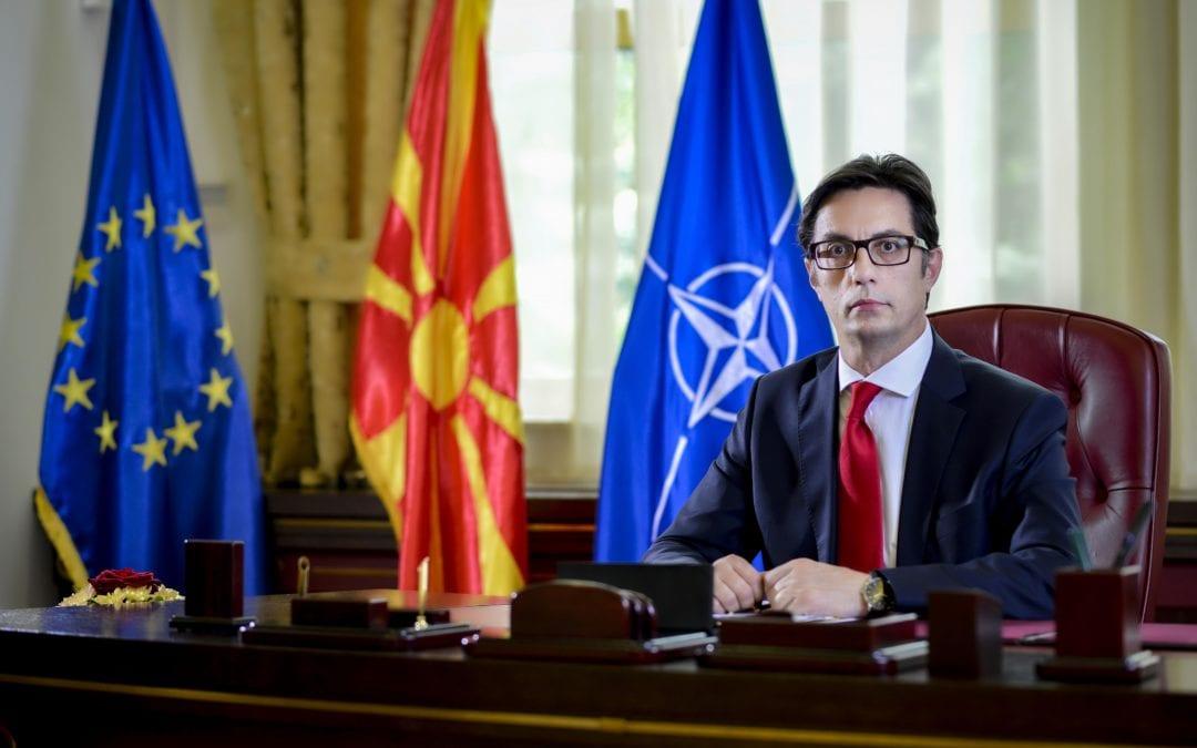 Urimi i presidentit Pendarovski me rastin e festës së Krishtlindjes