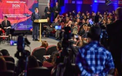 """Претседателот Пендаровски се обрати на симпозиумот """"Образованието како фактор за мир и одржлив развој"""" на универзитетот ФОН"""