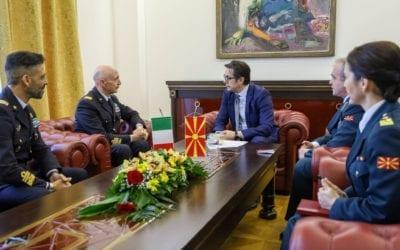 Средба на претседателот Пендаровски со НГШ на Италија, Енцо Вечиарели
