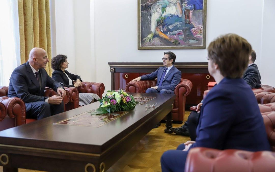 Takimi i presidentit Pendarovski me anëtarët e KSHPK