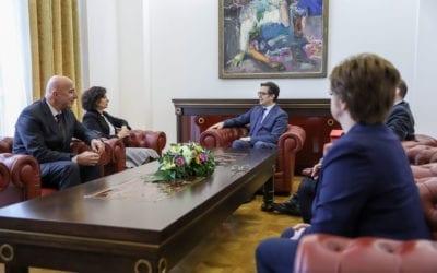 Средба на претседателот Пендаровски со членовите на ДКСК