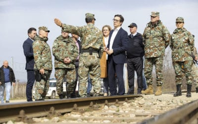 President Pendarovski visits Army members and Transit Center on the country's southern border