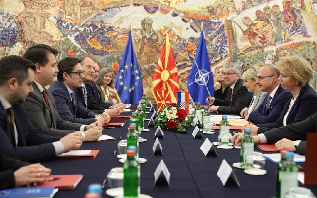 Средба на претседателот Пендаровски со министерот за надворешни и европски работи на Република Хрватска, Гордан Грлиќ Радман
