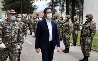 Претседателот Пендаровски ги посети армиските единици и локалниот кризен штаб во Општина Тетово: Армијата ќе биде ангажирана секаде каде што ќе биде потребно