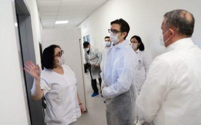 Претседателот Пендаровски ја посети Лабораторијата за вирусологија и молекуларна дијагностика