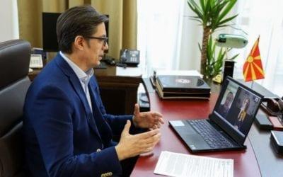 Претседателот Пендаровски до вработените во Брзата помош и во поликлиниките: Ви посакувам помалку интервенции, имате поддршка од сите да истраете