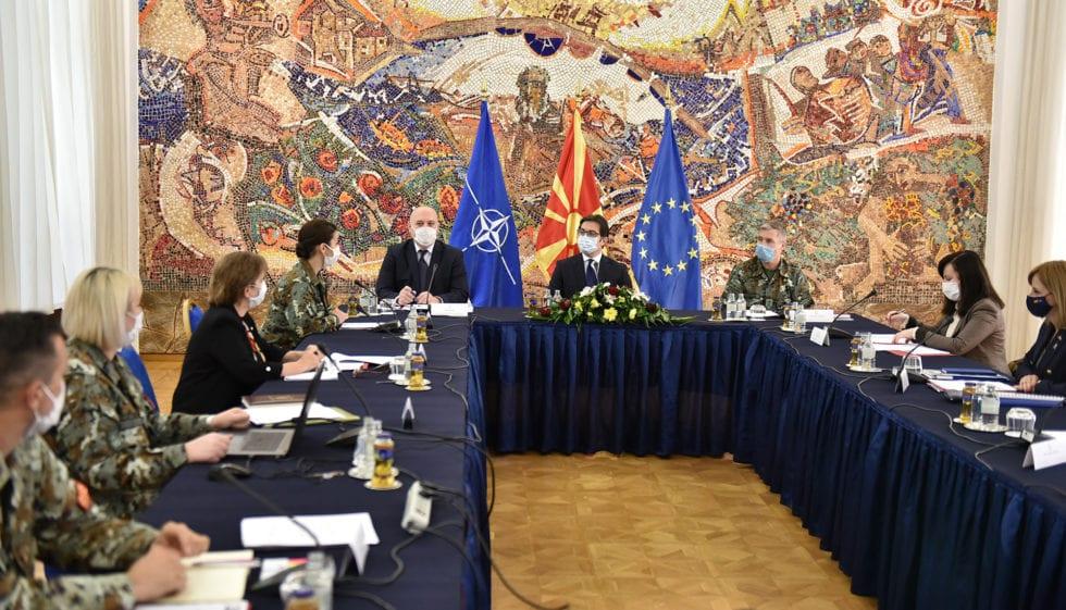 Презентација на родовата перспектива во одбраната пред претседателот Пендаровски