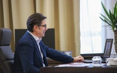 Претседателот Пендаровски во разговор со солидарни граѓани: Вашата хуманост ќе биде раскажувана и на идните генерации