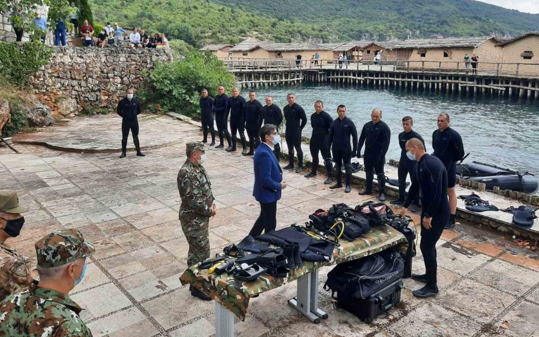 President Pendarovski visits the army diving team of the Special Forces Battalion in Ohrid