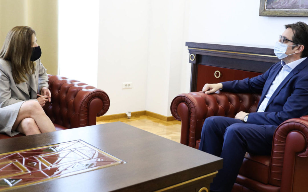 Средба на претседателот Пендаровски со американската амбасадорка Брнс