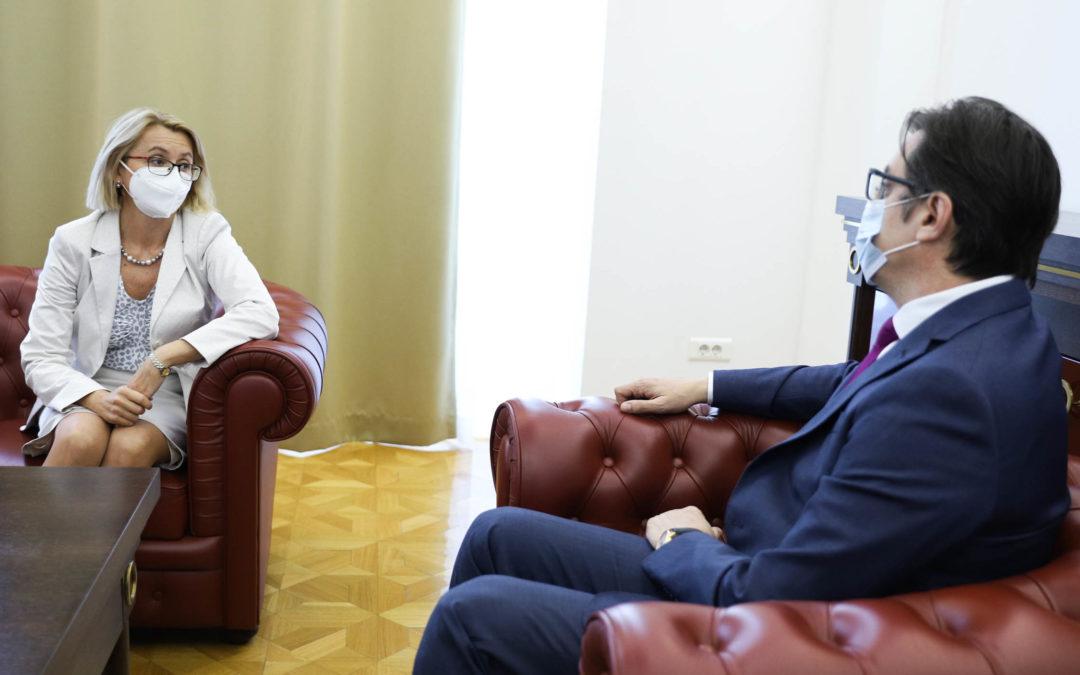 Средба на претседателот Пендаровски со украинската амбасадорка Задорожњук