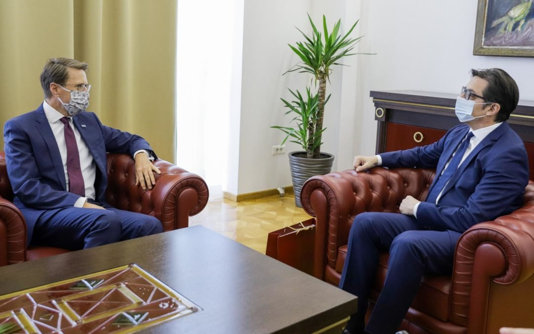 Проштална средба на претседателот Пендаровски со евроамбасадорот Жбогар