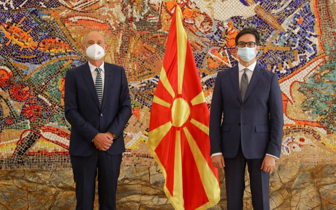 Претседателот Пендаровски ги прими акредитивните писма на новоименуваниот амбасадор на Европската Унија, Дејвид Гер