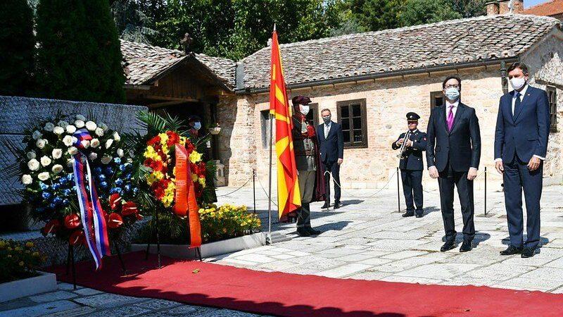 Претседателите Пендаровски и Пахор положија венци на гробот на Гоце Делчев во црквата Св. Спас