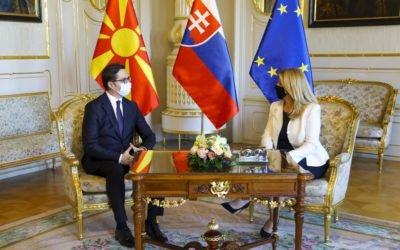 Средба на претседателот Пендаровски со словачката претседателка Чапутова