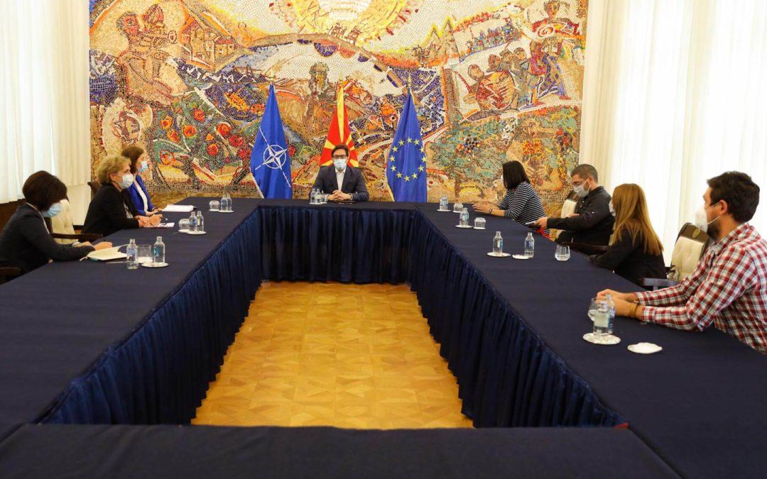 Средба на претседателот Пендаровски со претставници на Самостојниот синдикат на новинари и медиумски работници (ССНМ)