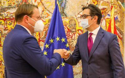 Средба на претседателот Пендаровски со Комесарот за соседска политика и преговори за проширување на ЕУ, Оливер Вархеји