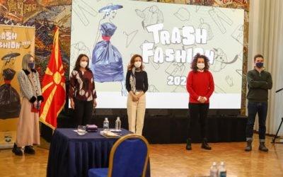 """Bashkëshortja e Presidentit, Gjorgievska pjesë e projektit """"Trash Fashion 2020"""""""