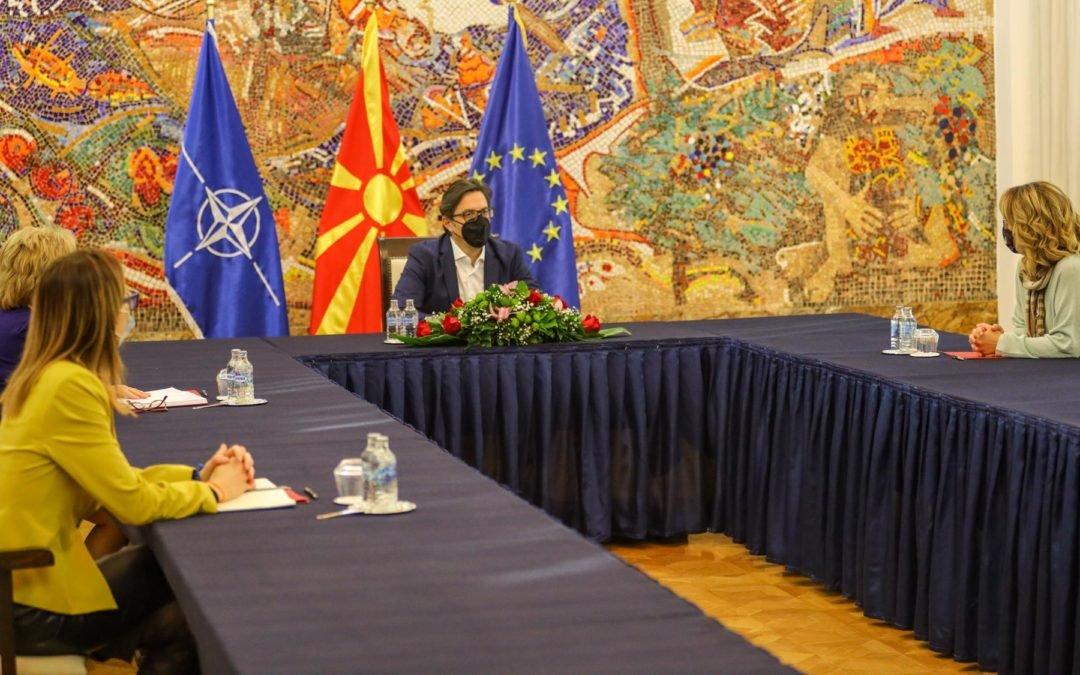 Средба на претседателот Пендаровски со претставници на Асоцијацијата ИВАП