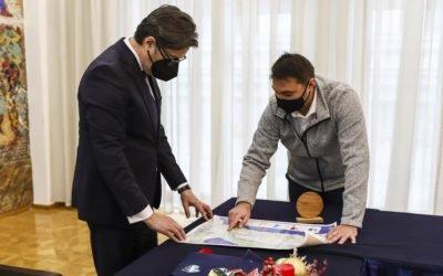 Presidenti Pendarovski i priti organizatorët e evenimentit ndërkombëtar sportiv Ohrit Ultra Treil 2021