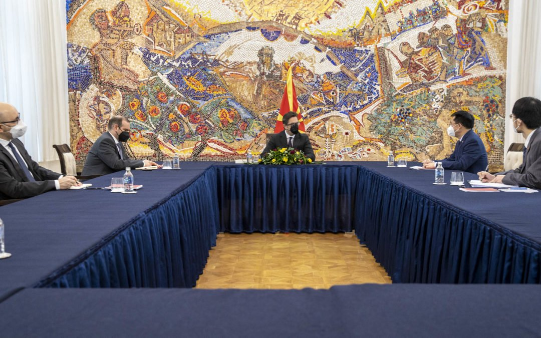 Takimi i Presidentit Pendarovski me ambasadorin e Republikës Popullore të Kinës