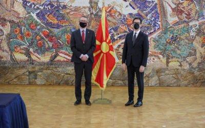 Претседателот Пендаровски ги прими акредитивите на новоименуваниот амбасадор на Канада, Норман