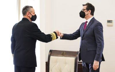 Претседателот Пендаровски го прими адмирал Бурк: Северна Македонија е доверлив и стратешки сојузник на НАТО