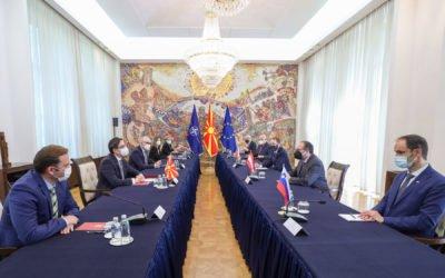 Средба на претседателот Пендаровски со министрите за надворешни работи на Австрија, Словенија и Чешка