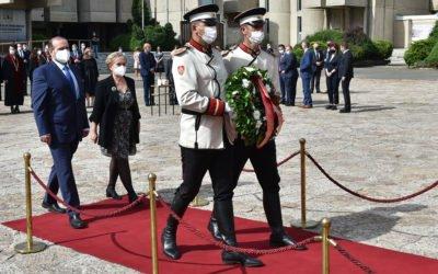 Полагање цвеќе по повод 24 Мај – Денот на сесловенските просветители, светите браќа Кирил и Методиј