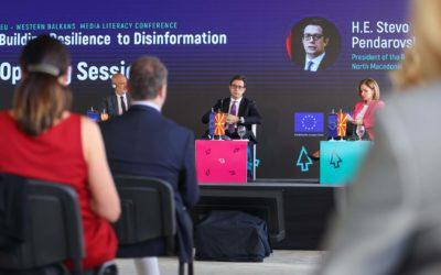 Претседателот Пендаровски се обрати на регионалната Конференција за медиумска писменост ЕУ-Западен Балкан: Справување со дезинформации